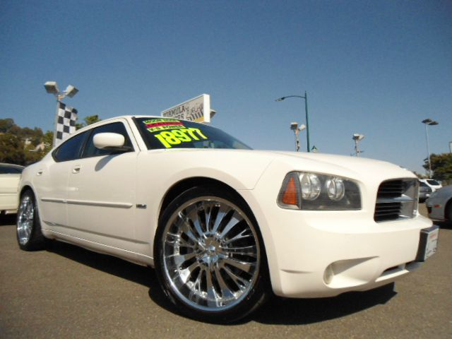 2006 DODGE CHARGER RT white we have many chargers in stock but if you want a very nice custom rt