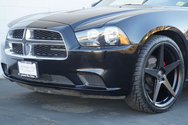 2012 DODGE CHARGER SE 4DR SEDAN