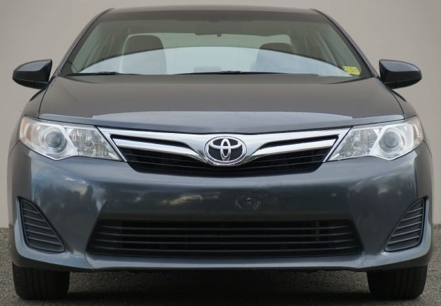 2013 TOYOTA CAMRY LE 4DR SEDAN super white 2-stage unlocking - remote abs - 4-wheel air filtrati