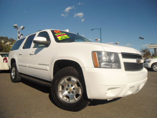 2008 CHEVROLET SUBURBAN LT1 1500 4WD white 4wdawdabs brakesair conditioningalloy wheelsamfm
