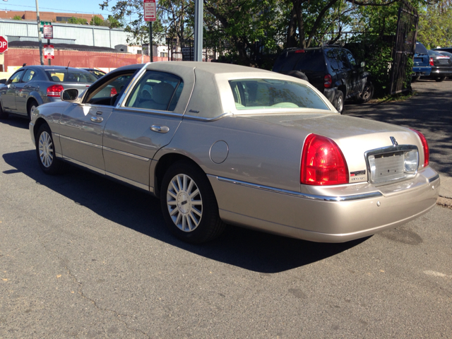 2003 lincoln town car executive for sale in washington alexandria andrews air force base momen inc. Black Bedroom Furniture Sets. Home Design Ideas