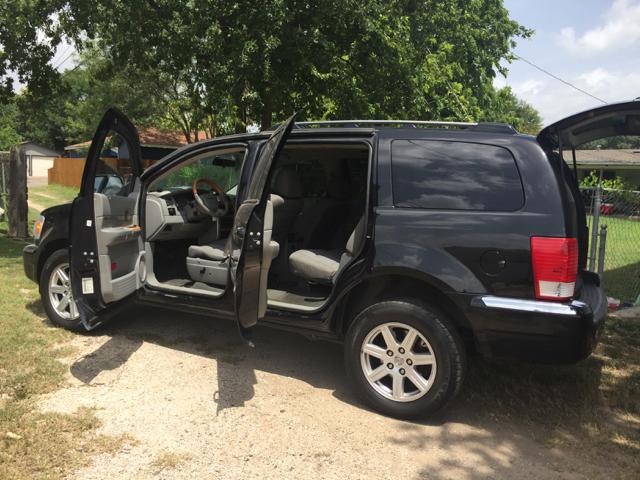 2008 Chrysler Aspen Limited 4x2 4dr SUV - San Antonio TX