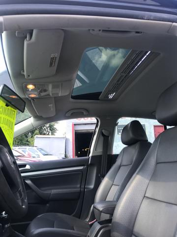 2007 Volkswagen Jetta 2.5 PZEV 4dr Sedan (2.5L I5 5M) - East Hartford CT