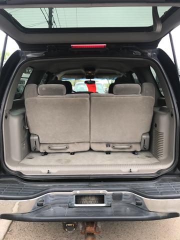2004 Chevrolet Tahoe LS 4WD 4dr SUV - East Hartford CT