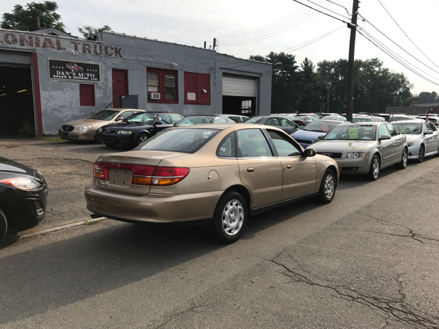 2001 Saturn L-Series L200 4dr Sedan - East Hartford CT