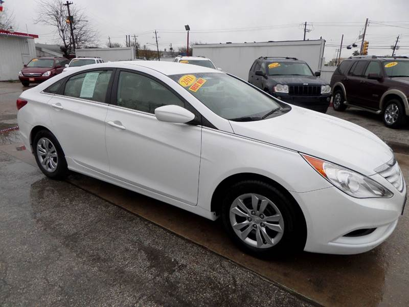 2011 HYUNDAI SONATA GLS 4DR SEDAN 6A white nobody walks is our signature motto and that simply