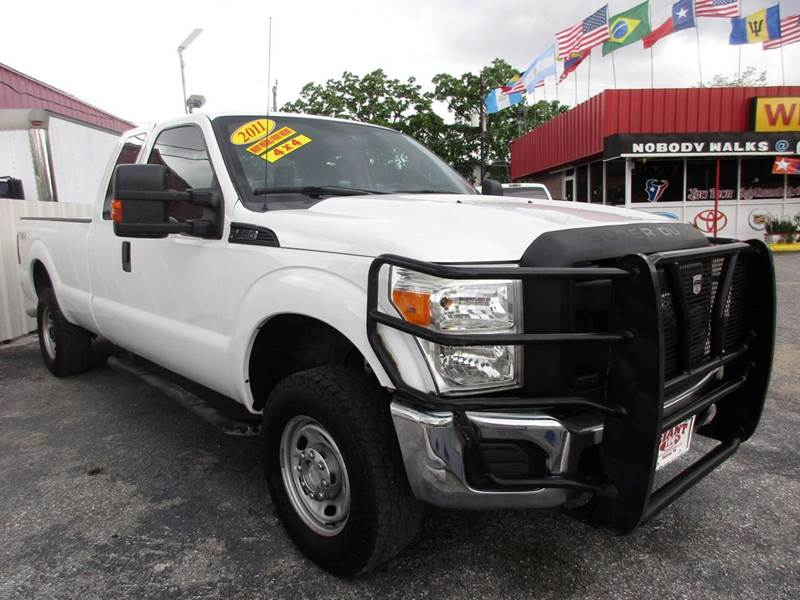 2011 FORD F-250 SUPER DUTY XLT 4X4 4DR SUPERCAB 8 FT LB PI white 1 owner vehicle history wioth m