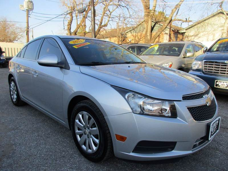 2011 CHEVROLET CRUZE LT 4DR SEDAN W1LT silver good history and title  no issues excellent ride