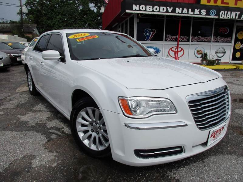 2013 CHRYSLER 300 4DR SEDAN white 2-stage unlocking doors abs - 4-wheel active head restraints -