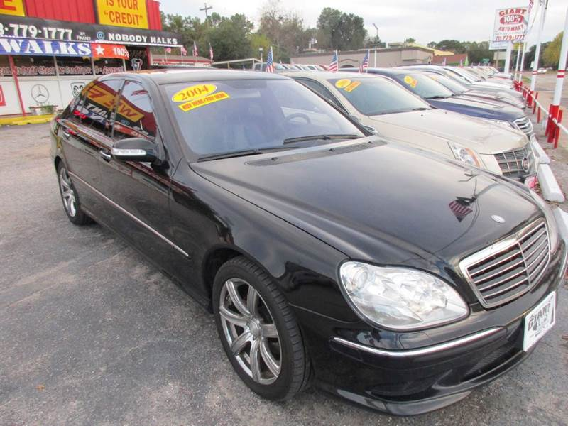 2004 MERCEDES-BENZ S-CLASS S500 4DR SEDAN black nobody walks is our signature motto and that si