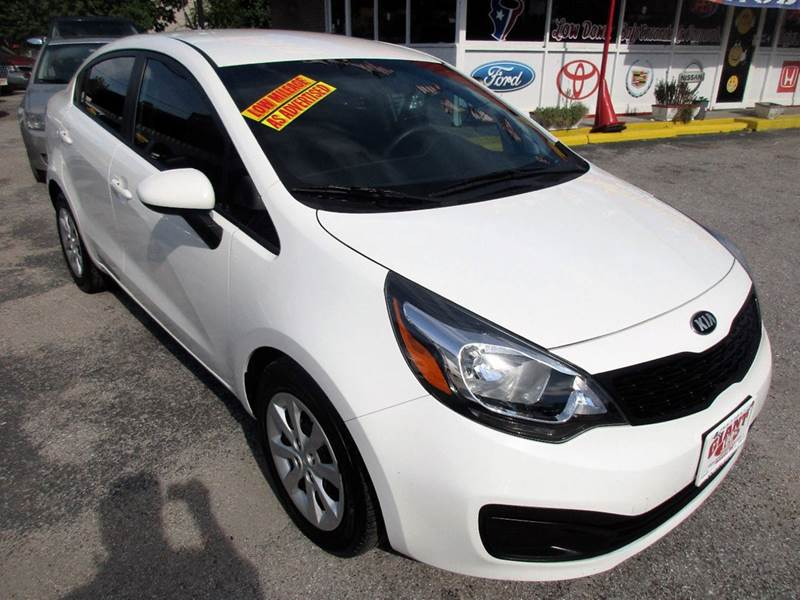 2015 KIA RIO LX 4DR SEDAN 6A white great buy low mileage and save big  on gas and maintenance