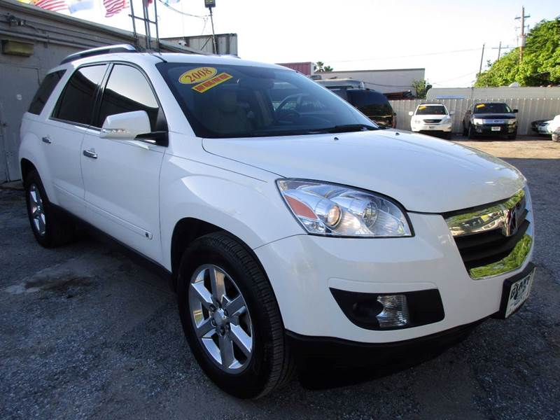 2008 SATURN OUTLOOK XR 4DR SUV W TOURING PACKAGE white a whole lot to offer on this vehicle quad