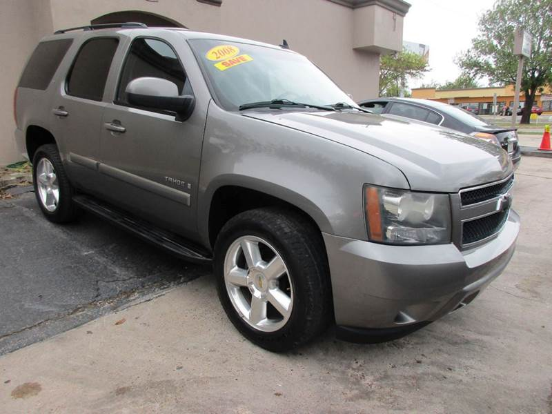 2008 CHEVROLET TAHOE LT 4X2 4DR SUV gray metallic third row cloth seating and priced to sell