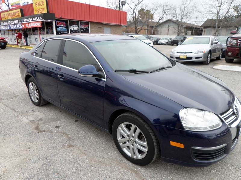 2007 VOLKSWAGEN JETTA 25 4DR SEDAN 25L I5 6A blue nobody walks is our signature motto and th