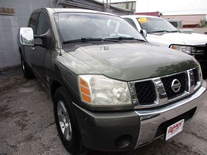 2004 NISSAN TITAN SE 4DR CREW CAB RWD SB green one owner truck that will surprise you and give yo