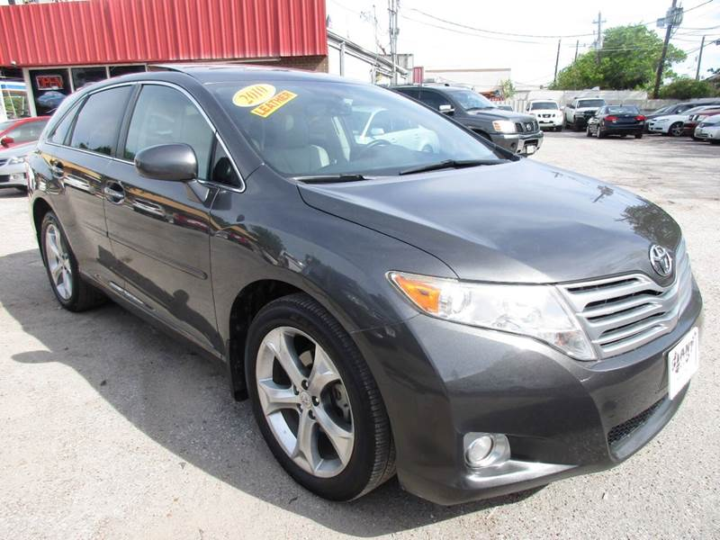 2010 TOYOTA VENZA FWD V6 4DR CROSSOVER gray nobody walks is our signature motto and that simply