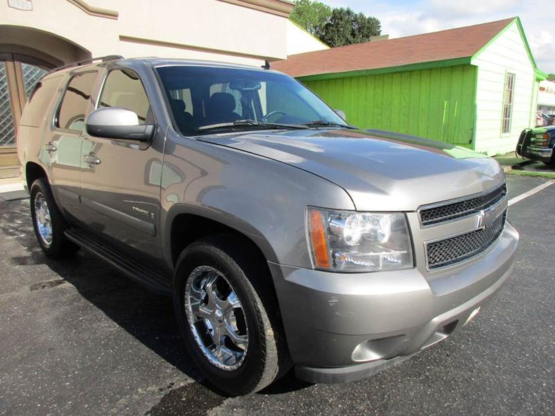 2008 CHEVROLET TAHOE LT 4X2 4DR SUV ggreystone metallic third row cloth seating for those that do