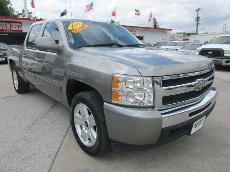 2009 CHEVROLET SILVERADO 1500 LT 4X2 4DR CREW CAB 58 FT SB graystone nobody walks is our sign