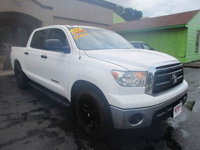 2012 TOYOTA TUNDRA GRADE 4X2 4DR CREWMAX CAB PICKUP white nobody walks is our signature motto a
