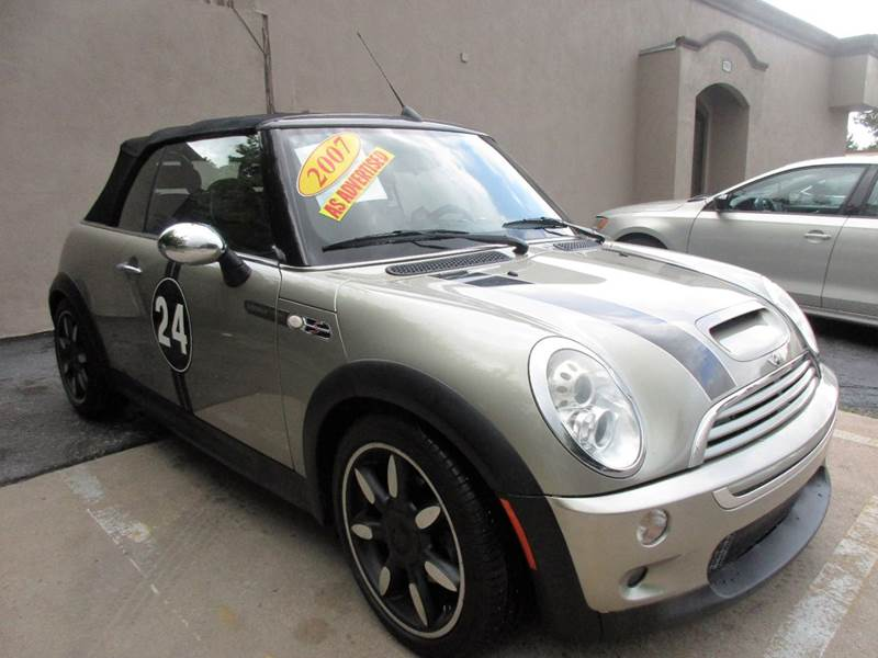2007 MINI COOPER S 2DR CONVERTIBLE tutone silver metallic  black under 100k milea and an automatic