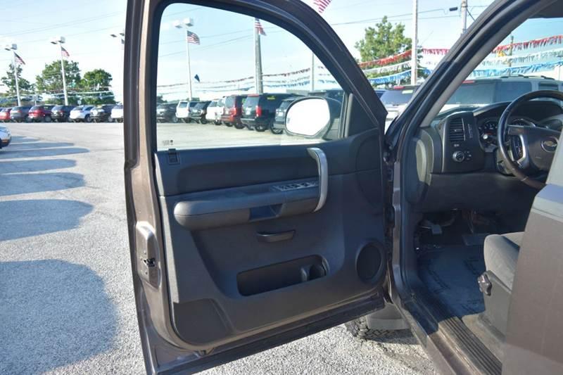 2008 Chevrolet Silverado 1500 4WD LT1 4dr Crew Cab 5.8 ft. SB - Indianapolis IN