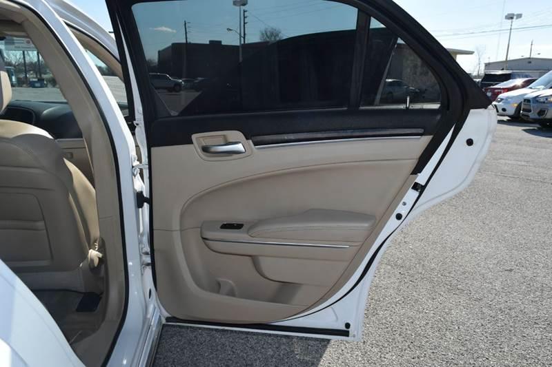 2014 Chrysler 300 4dr Sedan - Indianapolis IN