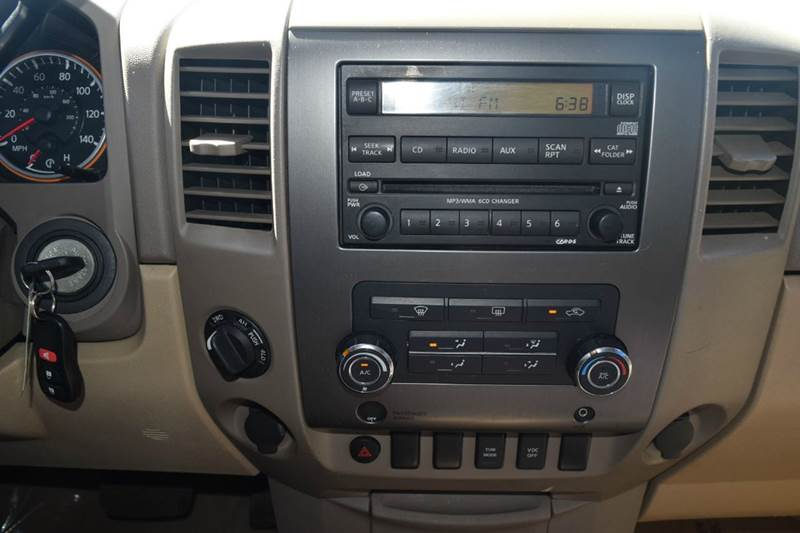 2011 Nissan Titan 4x4 SV 4dr Crew Cab SWB Pickup - Indianapolis IN