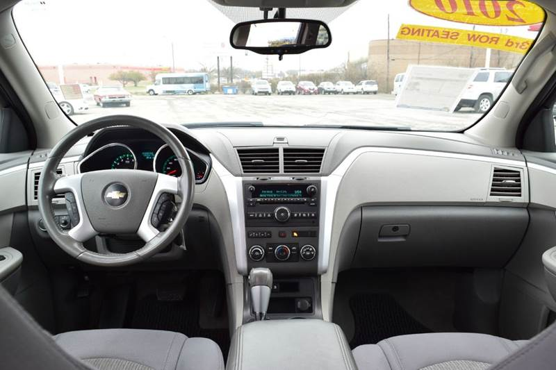 2010 Chevrolet Traverse LT 4dr SUV w/1LT - Indianapolis IN
