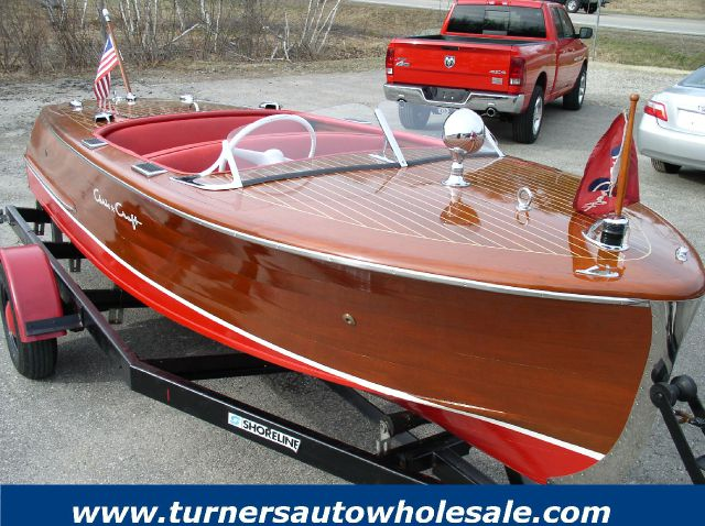 1947 Chris-Craft Deluxe Runabout