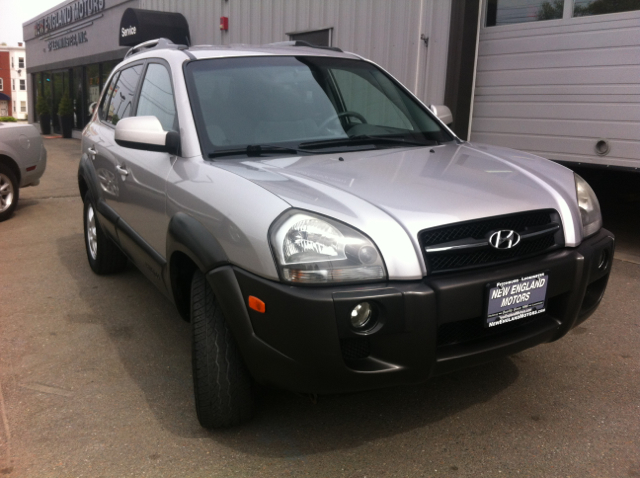 2005 hyundai tucson gls 4wd 4dr suv in fitchburg. Black Bedroom Furniture Sets. Home Design Ideas