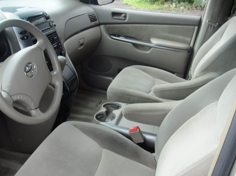 2006 Toyota Sienna LE 7-Passenger 4dr Mini-Van - East Springfield NY