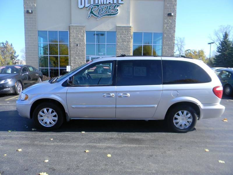 2006 chrysler town and country touring 4dr extended mini van in appleton wi ultimate rides inc. Black Bedroom Furniture Sets. Home Design Ideas