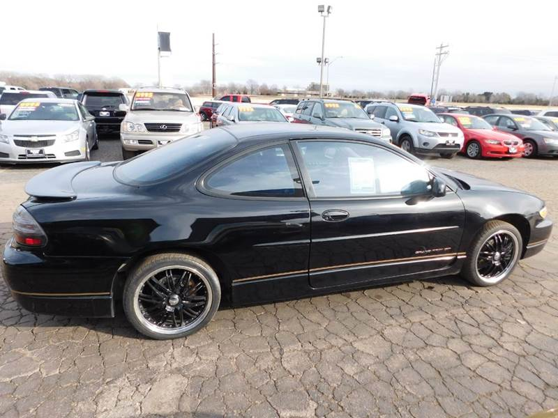 2000 pontiac grand prix gt 2dr coupe in appleton wi ultimate rides inc. Black Bedroom Furniture Sets. Home Design Ideas