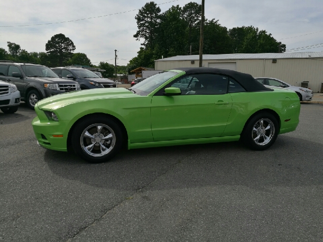 2014 Ford Mustang V6 Premium 2dr Convertible - Concord NC