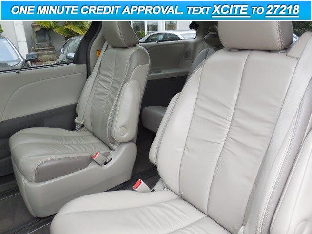 2011 Toyota Sienna Limited 7-Passenger 4dr Mini-Van - Lynnwood WA