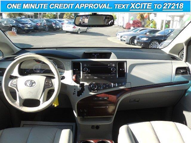 2012 Toyota Sienna XLE 8-Passenger 4dr Mini-Van - Lynnwood WA