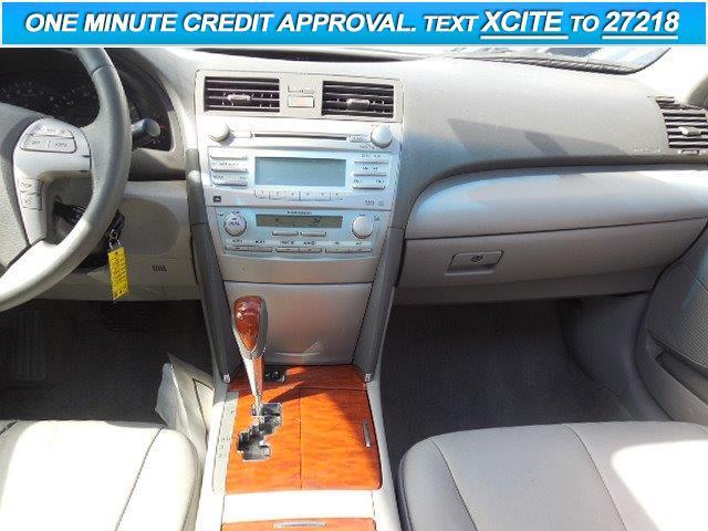 2009 Toyota Camry XLE 4dr Sedan 5A - Lynnwood WA