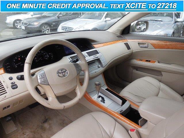 2005 Toyota Avalon XLS 4dr Sedan - Lynnwood WA