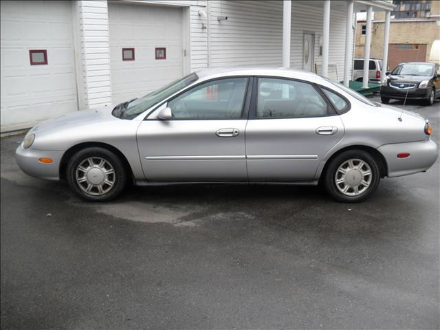 1997 Ford Taurus GL - NEW CASTLE PA