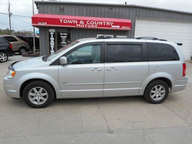 2008 chrysler town and country for sale in iowa