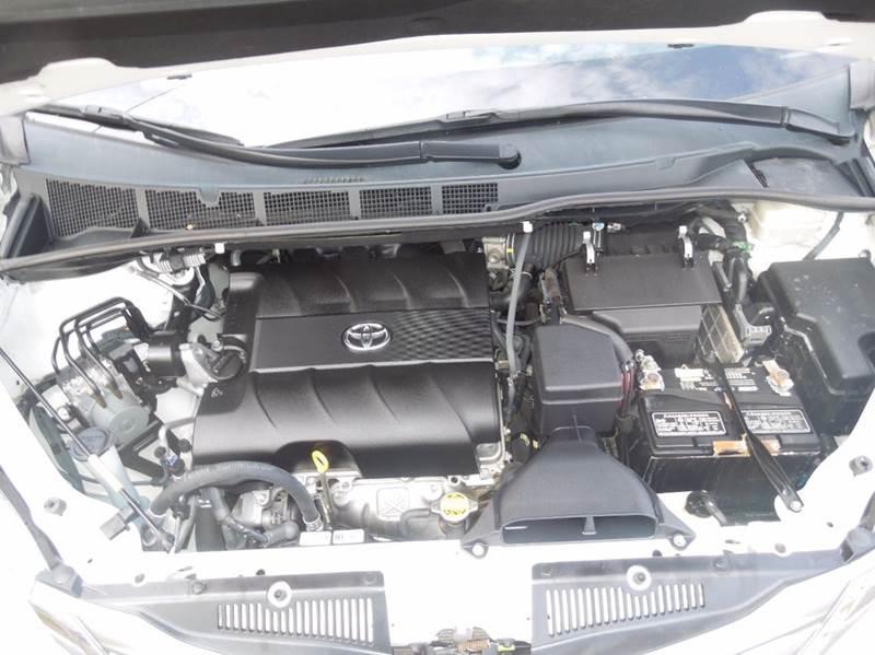 2011 Toyota Sienna XLE 8 Passenger 4dr Mini Van - Alameda CA