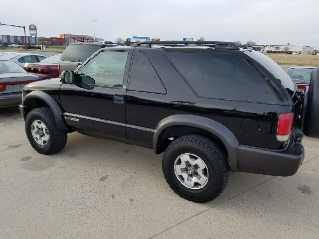 2001 Chevrolet Blazer Ls 4wd 2dr Suv In West Burlington Ia