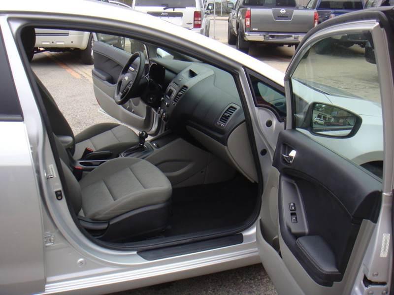 2015 Kia Forte LX 4dr Sedan 6A - Holliston MA