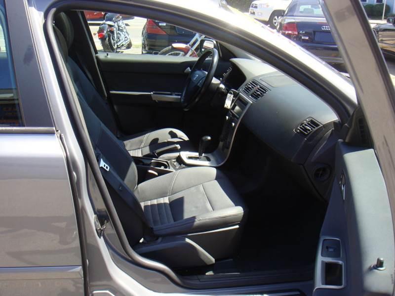 2004 Volvo S40 4dr T5 Turbo Sedan (2004.5) - Holliston MA