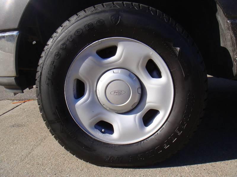 2004 Ford F-150 2dr Regular Cab XL 4WD Styleside 8 ft. LB - Holliston MA