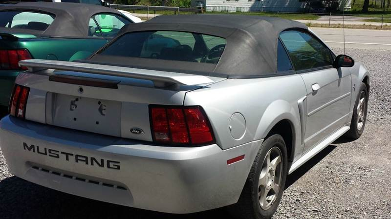 2003 Ford Mustang Deluxe 2dr Convertible - Darlington PA