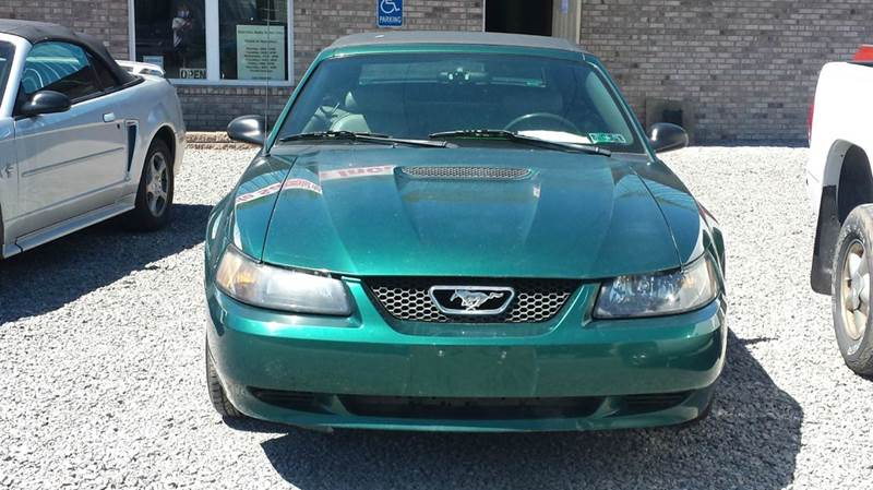 2001 Ford Mustang Deluxe 2dr Convertible - Darlington PA