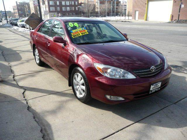 2004 toyota camry xle v6 4dr sedan in chicago il car center. Black Bedroom Furniture Sets. Home Design Ideas