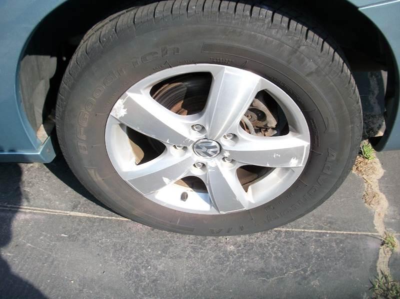 2009 Volkswagen Routan SE 4dr Mini Van - Raynham MA