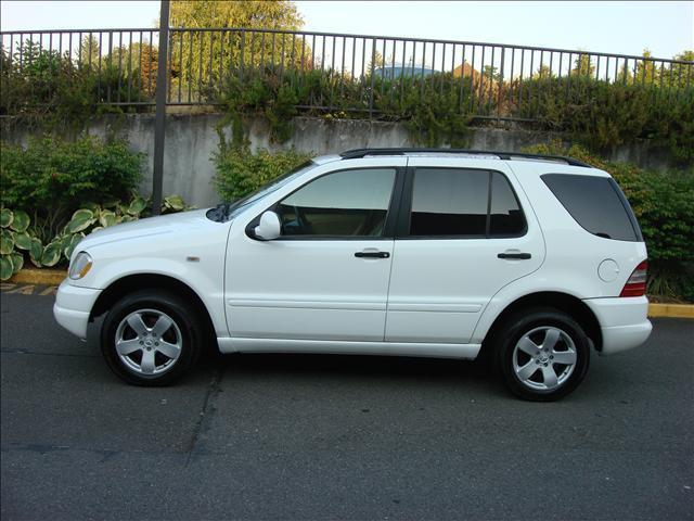 Stock 98 benz ml320 white for 1998 mercedes benz ml320